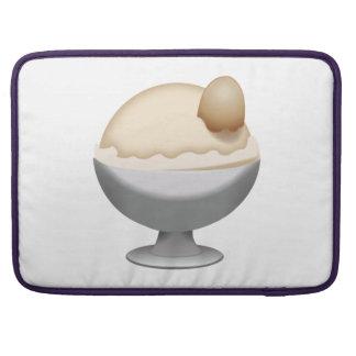 Vanilaのアイスクリーム- Emoji MacBook Proスリーブ