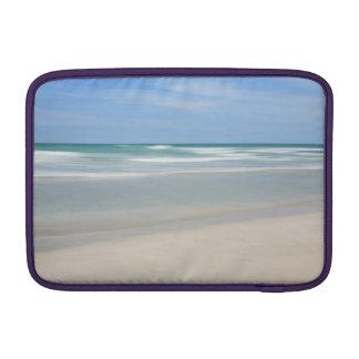 Varaderoのビーチ、キューバ MacBook スリーブ