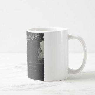 Vasily Vereshchag著日光の寺院への入口 コーヒーマグカップ