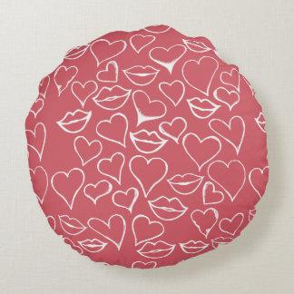 vdayアートな唇およびハート ラウンドクッション
