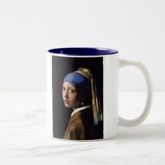 Vermeer著真珠のイヤリングを持つ女の子 ツートーンマグカップ