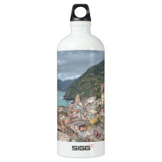 Vernazza、Cinque Terre、Itaの漁村 ウォーターボトル