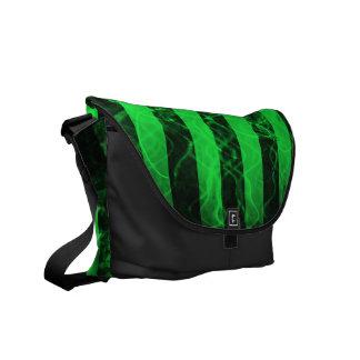 Verticleのストライプなパンクの黒いおよび緑のデザイン メッセンジャーバッグ
