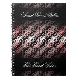 Vibeのシックなピンク、黒く、および白くグラデーションなノート ノートブック