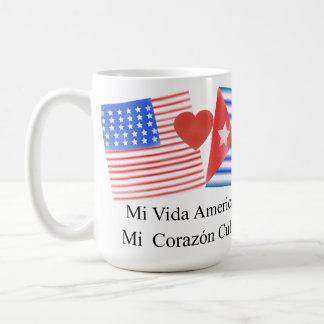 Vidaのamericano、corazónのcubano コーヒーマグカップ