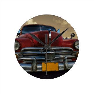 Vinales、キューバのクラシックなアメリカ車 ラウンド壁時計