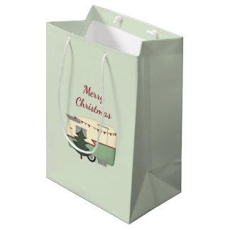 Vintage Christmas Camper Gift Bag ミディアムペーパーバッグ