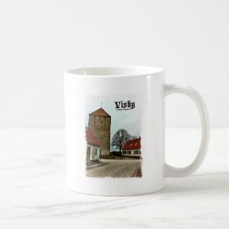 Visbyの軽いボーダーが付いているゴトランド、スウェーデンタワー コーヒーマグカップ