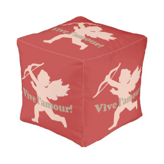 Vive L'amourのキューピッドのpouf プーフ