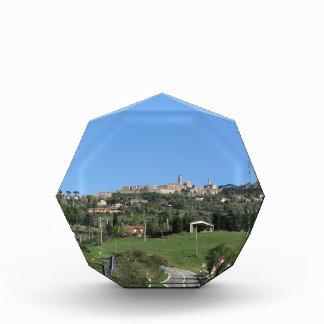 Volterraの村、ピサの地域のパノラマ 表彰盾