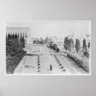 WAのキャンパスの入口の大学の眺め ポスター