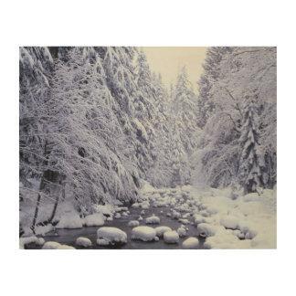 WAの山のパン屋Snoqualmieの国有林、 ウッドウォールアート