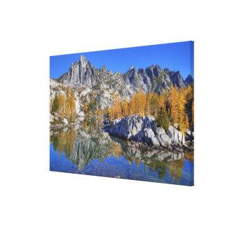 WAの高山湖の荒野、魔法4 キャンバスプリント