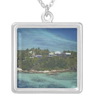 Wadigiの島、Mamanucaの島、フィージー2 シルバープレートネックレス
