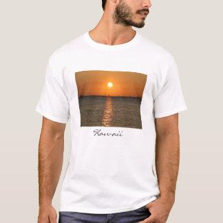 Waikikiの日没のクラシックT Tシャツ