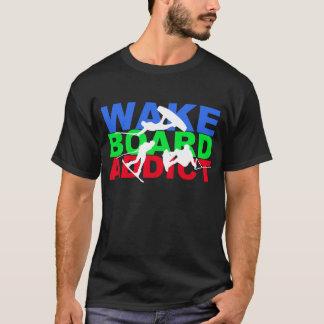 Wakeboardの常習者のTシャツ Tシャツ