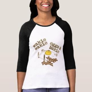 Wakie Wakie卵およびBakie Tシャツ