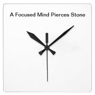 Wallclockを意欲を起こさせること: 集中された心は石に穴を開けます スクエア壁時計