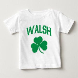 Walshのアイルランド人のシャムロック ベビーTシャツ
