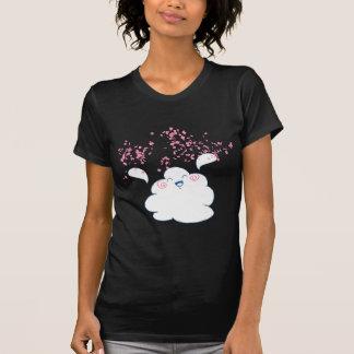 Wandaの幸せな雲は紙吹雪を投げます Tシャツ