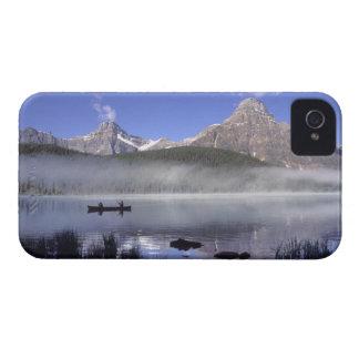 waterfowl湖、Banffのカヌーの漁師 Case-Mate iPhone 4 ケース