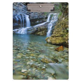 Waterton湖の国立公園のカメロンの滝 クリップボード