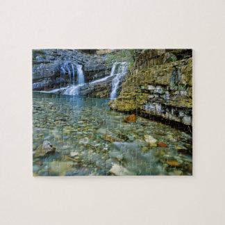 Waterton湖の国立公園のカメロンの滝 ジグソーパズル