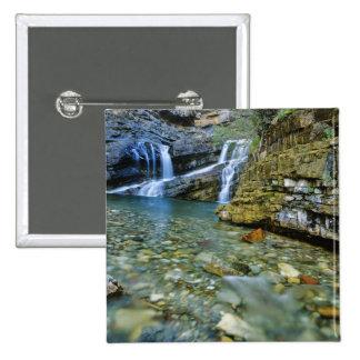 Waterton湖の国立公園のカメロンの滝 5.1cm 正方形バッジ