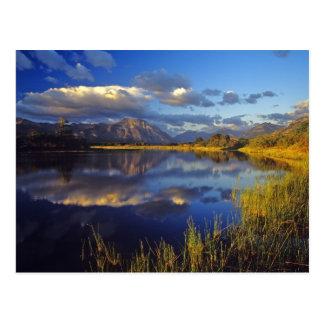 Waterton湖の国立公園3のMaskinonge湖 ポストカード
