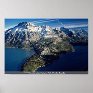 Waterton湖国立公園、アルバータ、カナダ ポスター