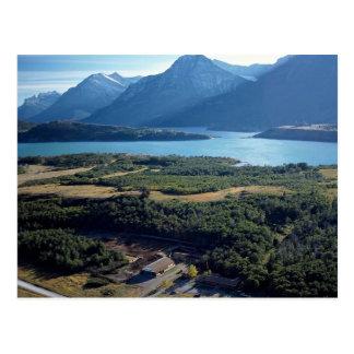 Waterton湖、高山の馬小屋、アルバータ、カナダ ポストカード
