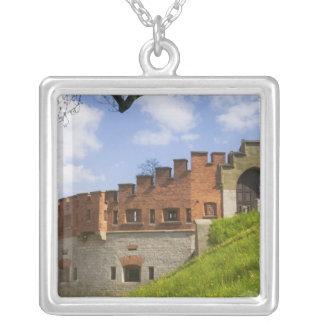Wawelの城、クラクフ、ポーランド シルバープレートネックレス