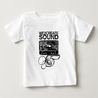 We2Create健全なK7 ベビーTシャツ