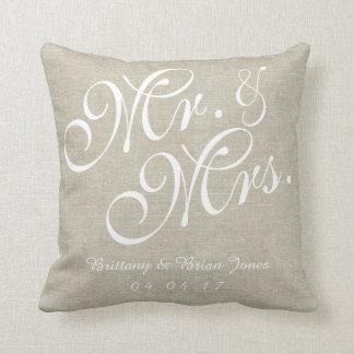 Wedding Pillowベージュ白人のリネン氏および夫人 クッション