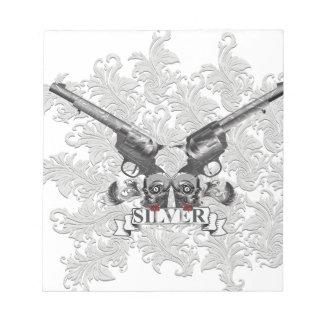 Wellcodaの花の銀のピストルスカル銃 ノートパッド