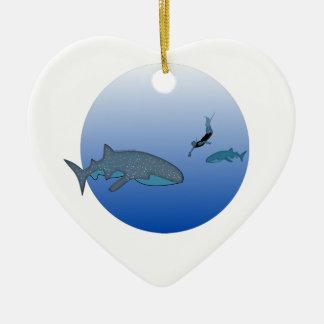 Whalesharksおよび自由なダイバー セラミックオーナメント