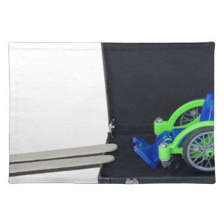 WheelchairRampInBriefcase062115 ランチョンマット