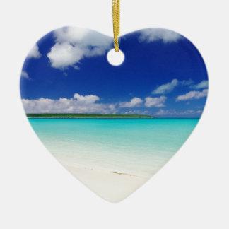 White Sandy Beach, Miyako Island Okinawa セラミックオーナメント