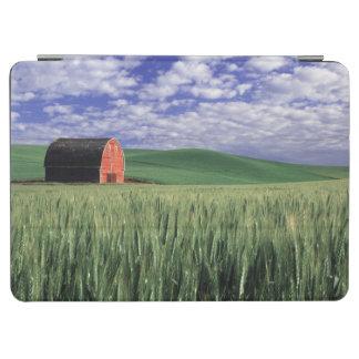 Whitmanのムギ及びオオムギ分野の赤い納屋 iPad Air カバー