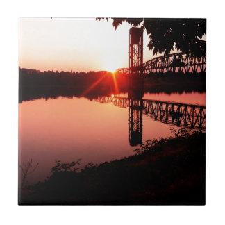 Willametteの川の日の出 タイル