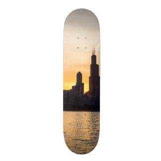 Willisタワーの日没Sihouette スケートボード