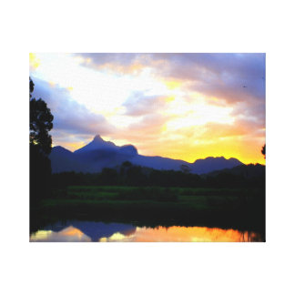 Wollumbin上の日没 キャンバスプリント