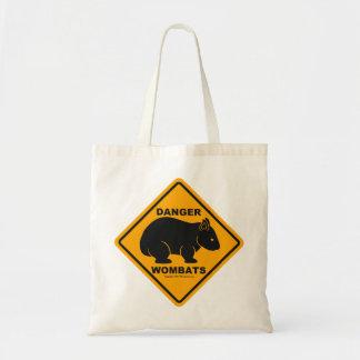 Wombatの危険の交通標識 トートバッグ
