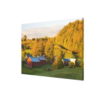 Woodstock、ヴァーモントのJenneの農場。 秋。 2 キャンバスプリント