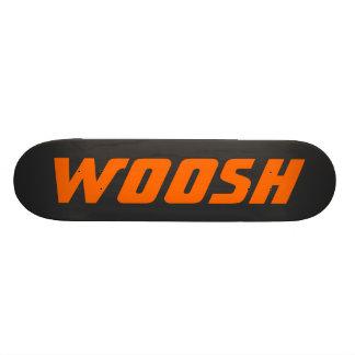 WOOSH -黒の鋭いネオンオレンジ スケートボード