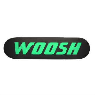 WOOSH -黒の鋭いネオン緑 スケートボード