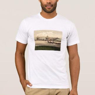 Worthing桟橋、サセックス、イギリス Tシャツ