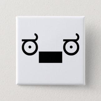 wutの顔文字 5.1cm 正方形バッジ