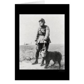 WWIの下士官および彼の犬の身に着けているガスマスク1915年 カード