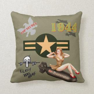 WWIIのコラージュの枕 クッション